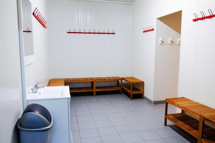 futsal à nîmes Le dôme du Foot espace vestiaires et douches